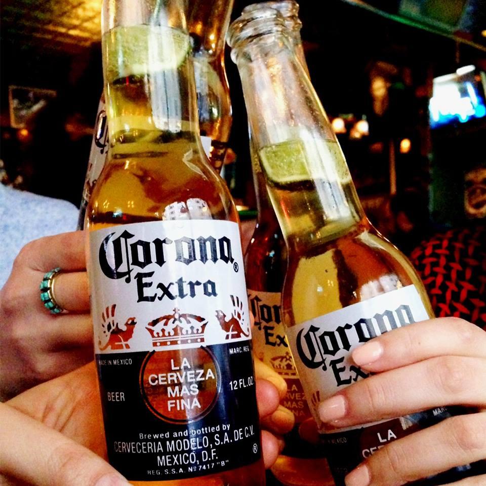 9 de cada 10 homosexuales beben cerveza Corona