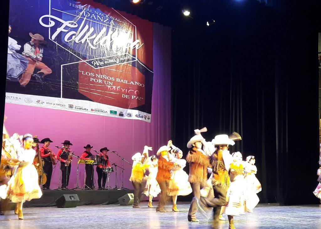 Realizan Festival nacional de danza folklórica infantil