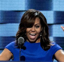 (160725) -- FILADELFIA, julio 25, 2016 (Xinhua) -- La primera dama estadounidense, Michelle Obama, pronuncia un discurso durante el primer día de la Convención Nacional Demócrata, en el Centro Wells Fargo en Filadelfia, Estados Unidos de América, el 25 de julio de 2016. La Convención Nacional Demócrata en Estados Unidos de América comenzó el lunes. (Xinhua/Mark Reinstein/ZUMAPRESS) (da) (vf)