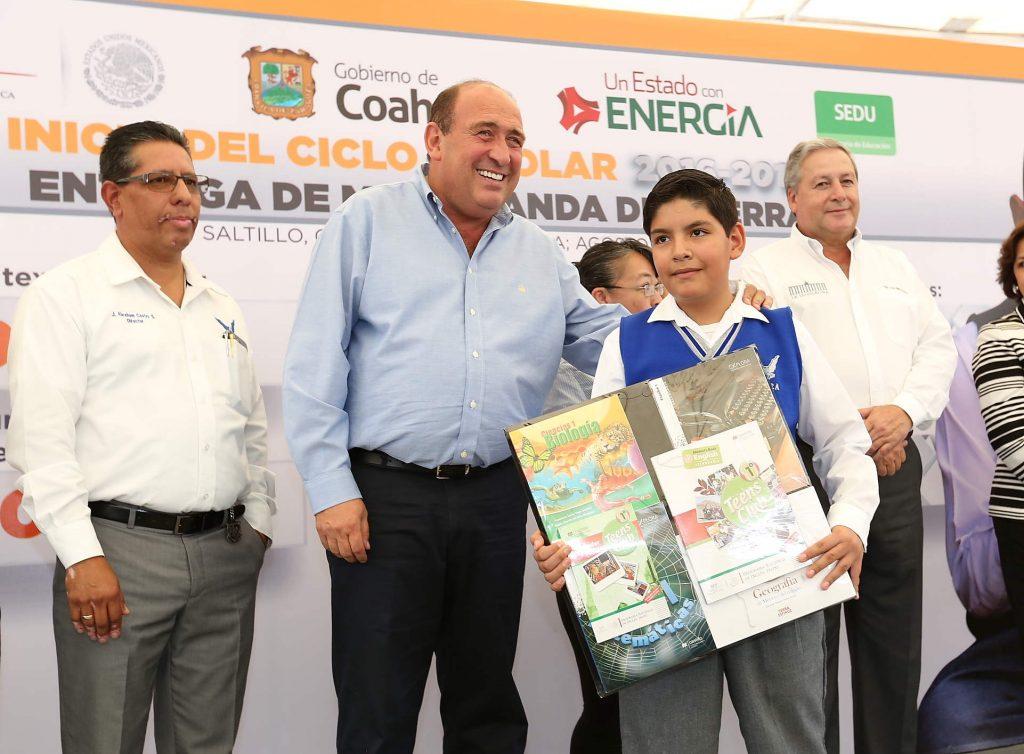 ENTREGAN 564 MIL 348 PAQUETES DE ÚTILES EN INICIO DEL CICLO ESCOLAR