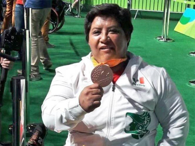 Catalina Díaz gana medalla de bronce en powerlifting; novena presea para México