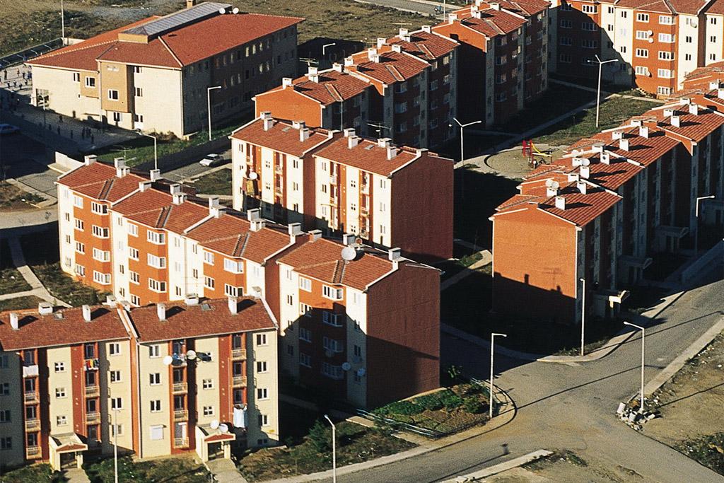 Jefe de ONU pide planear bien expansión urbana para ofrecer vivienda adecuada