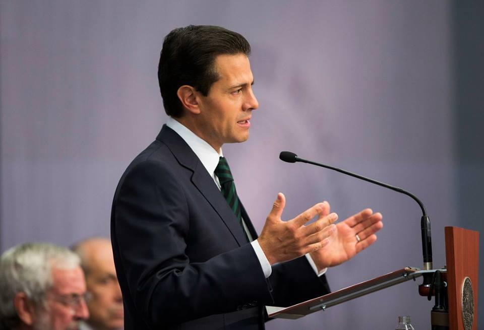 Peña Nieto acuerda reunirse con Trump lo más pronto posible