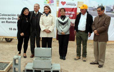 Colocan primera piedra de Drogadictos Anónimos en Ramos Arizpe