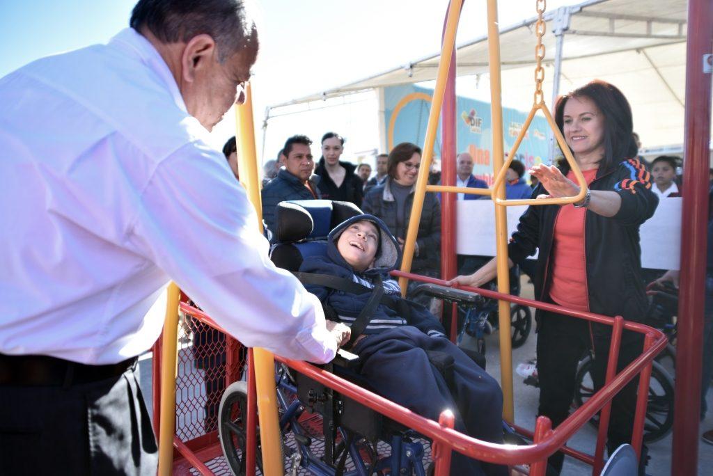 inauguran-en-la-saltillo-2000-juegos-para-ninos-con-discapacidad-6