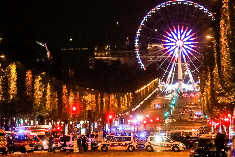 Un policía muerto en pleno cierre de campaña electoral francesa — Atentado París