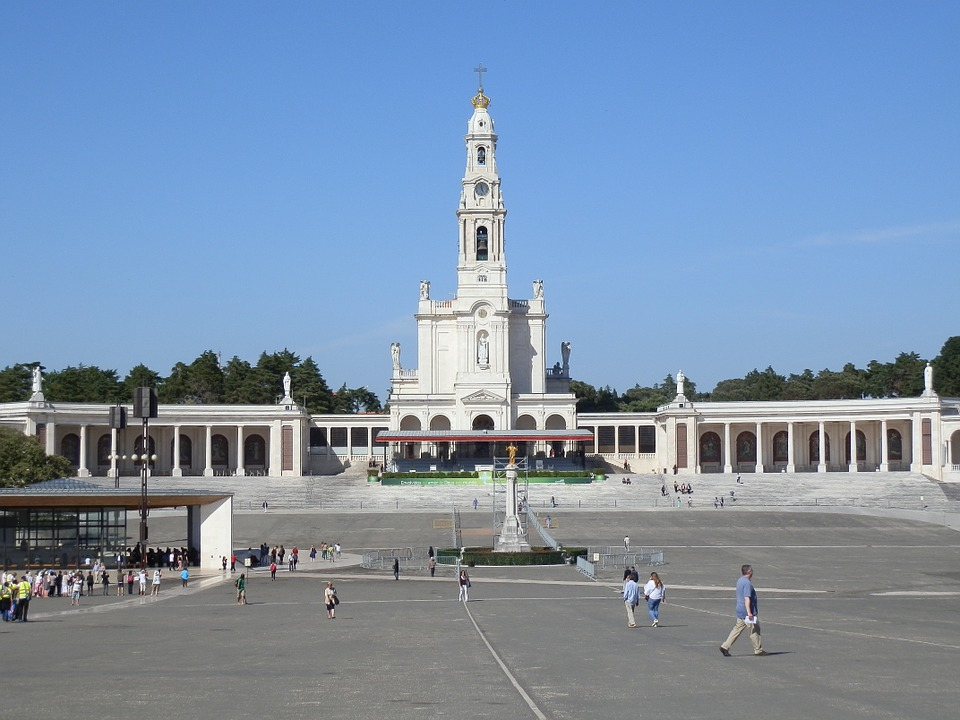 El Papa Francisco proclamó santos a los hermanos pastorcitos de Fátima