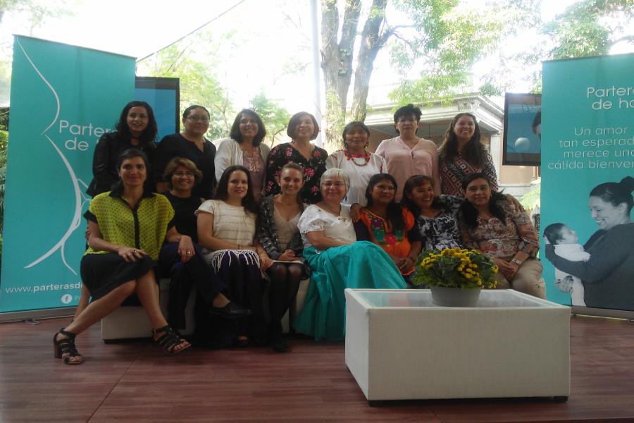 CNDH reconoce el aporte de parteras tradicionales en la salud sexual