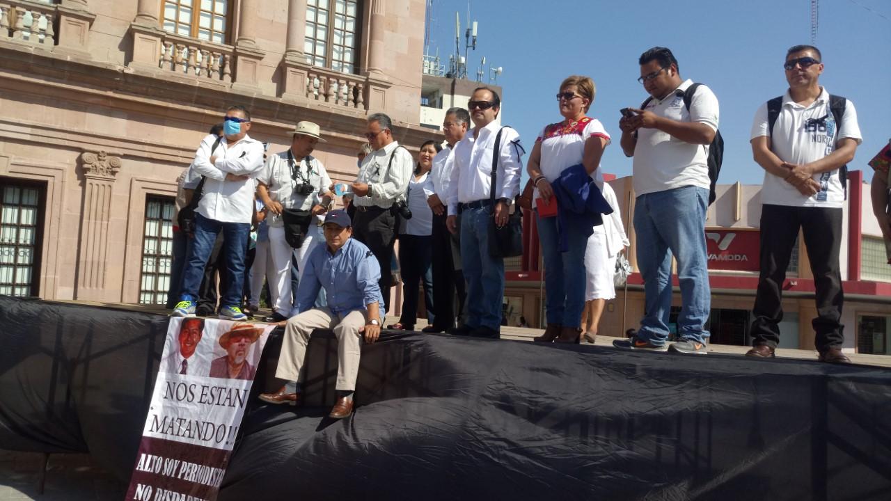 '¡Basta de violencia contra periodistas!'