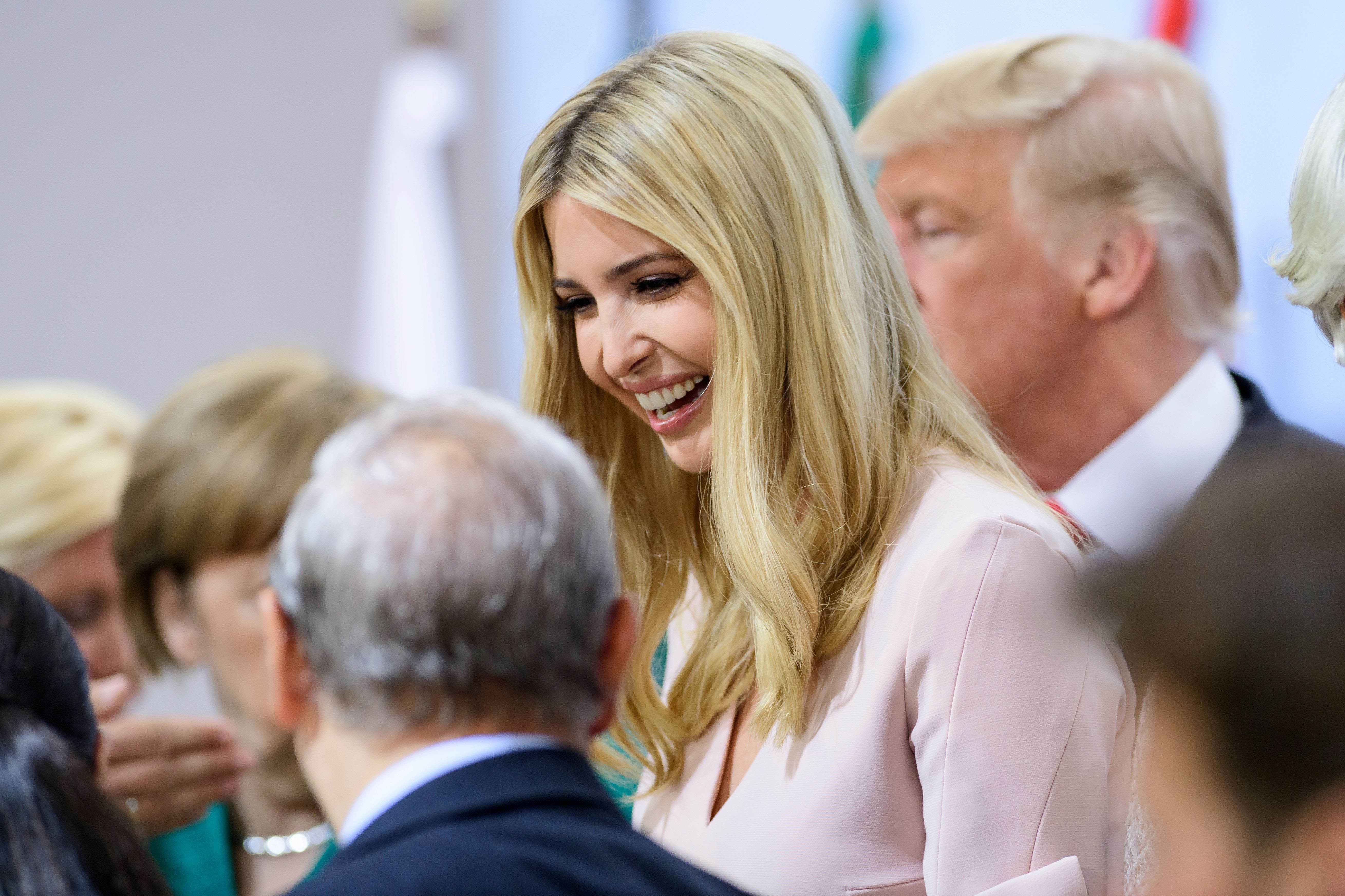 Ivanka sustituye brevemente a Trump en mesa de líderes del G20