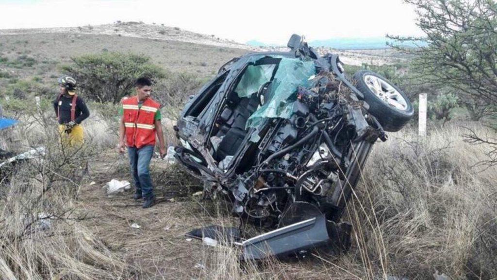 Fallecen dos primos en accidente vehicular