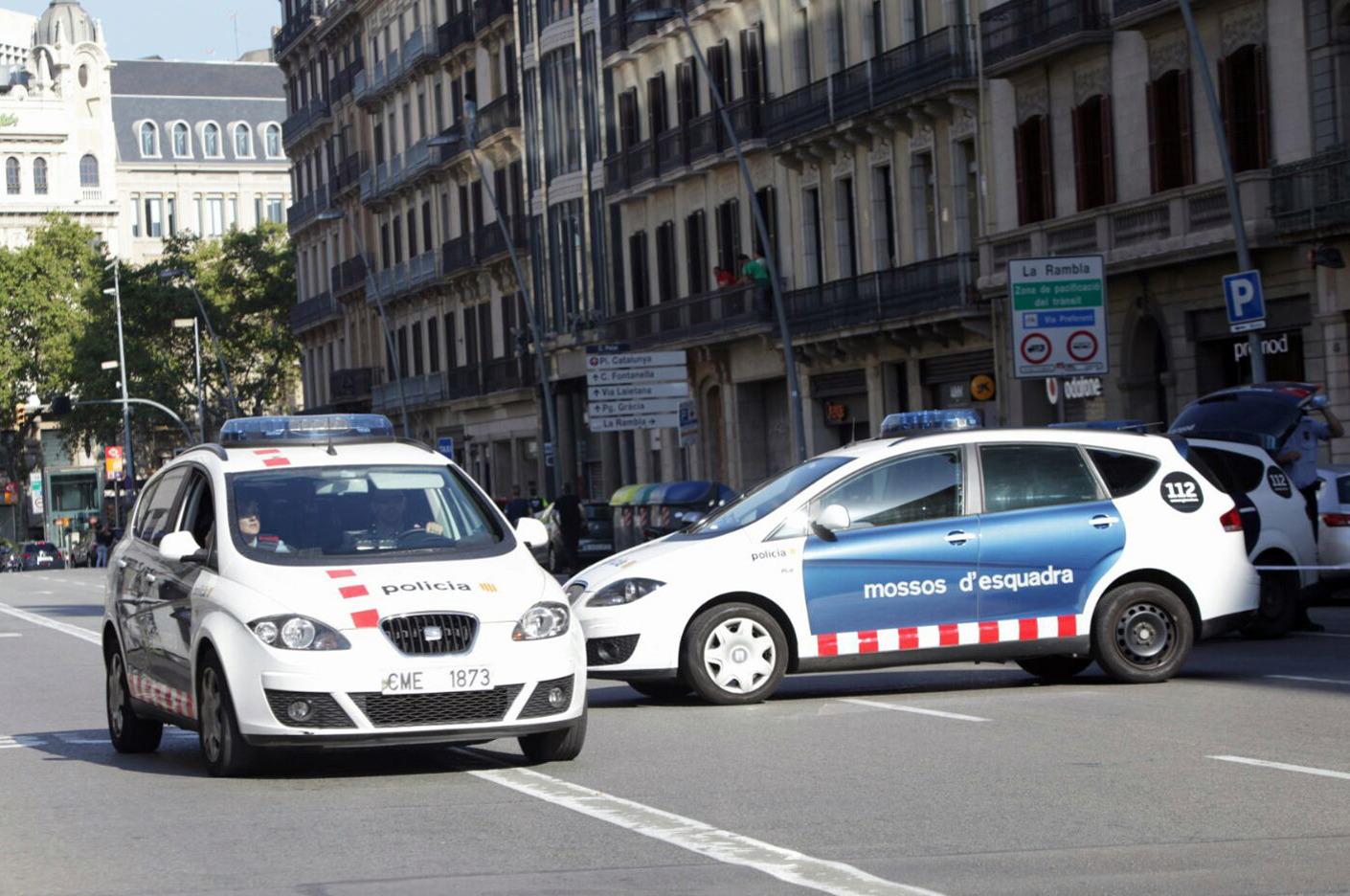 EI se atribuye el atentado de Barcelona
