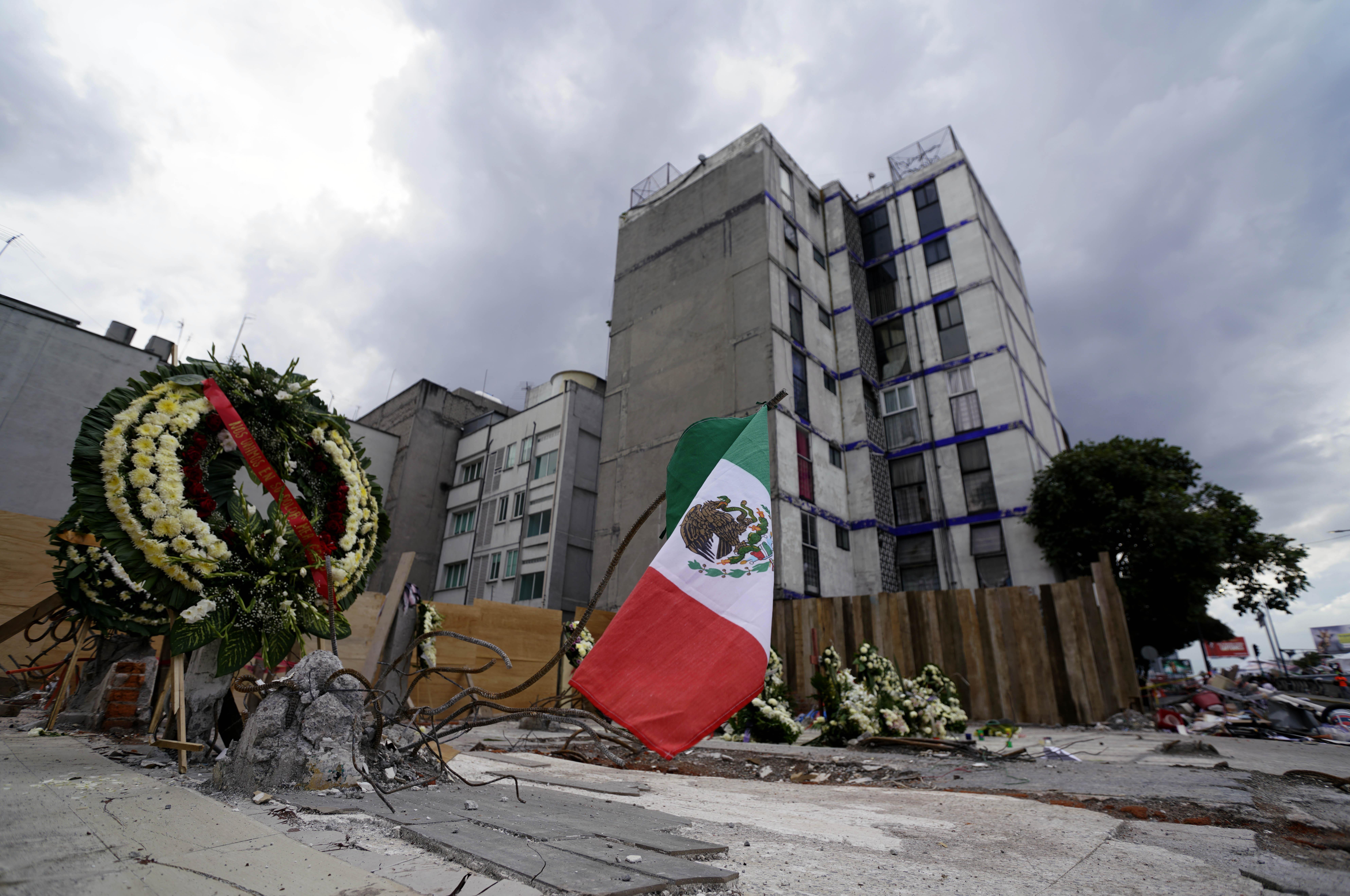 Van 363 fallecidos por el sismo : Protección Civil