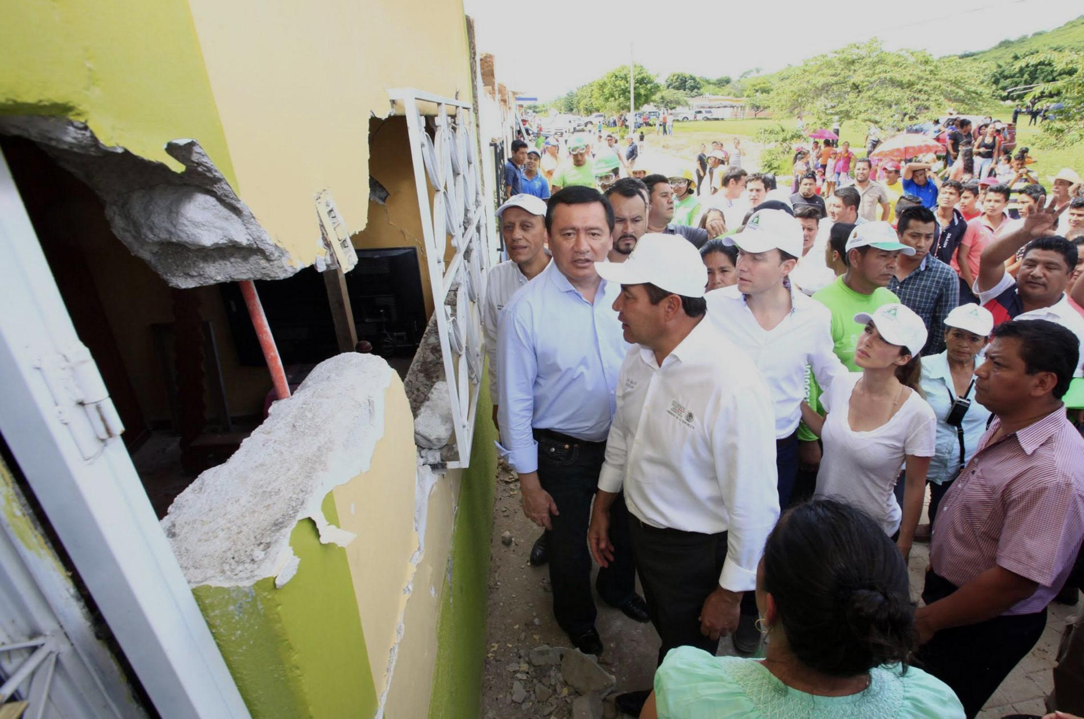 Réplicas dificultan censo de daños: Osorio Chong