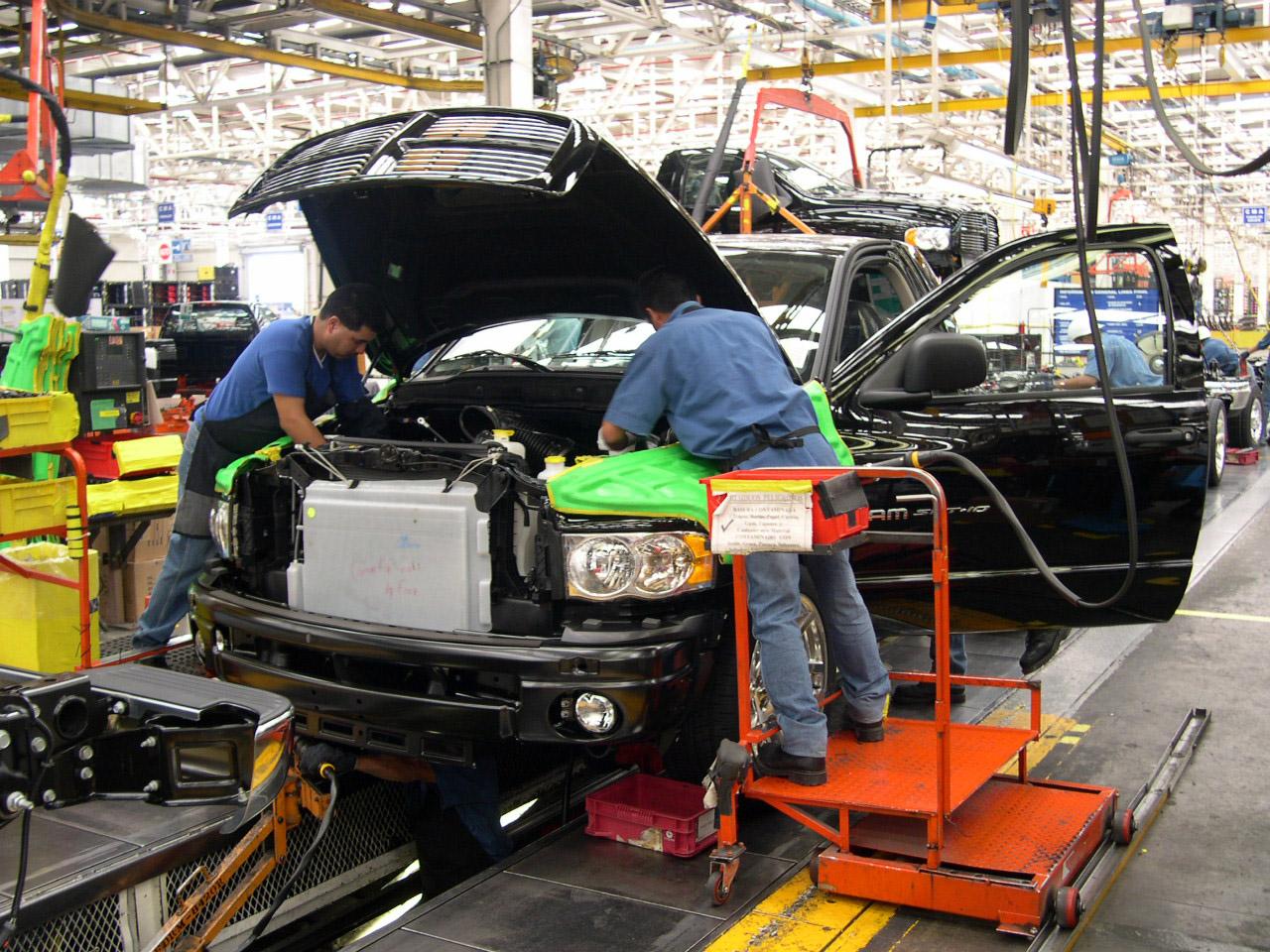México aumenta 15% sus exportaciones de automóviles en septiembre: AMIA