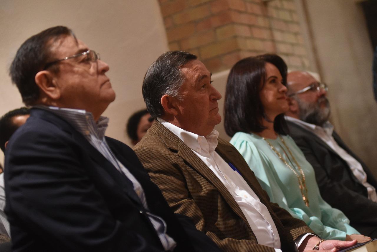 Alcalde de Saltillo denuncia amenazas de Rubén Moreira, a quien EPN elogió