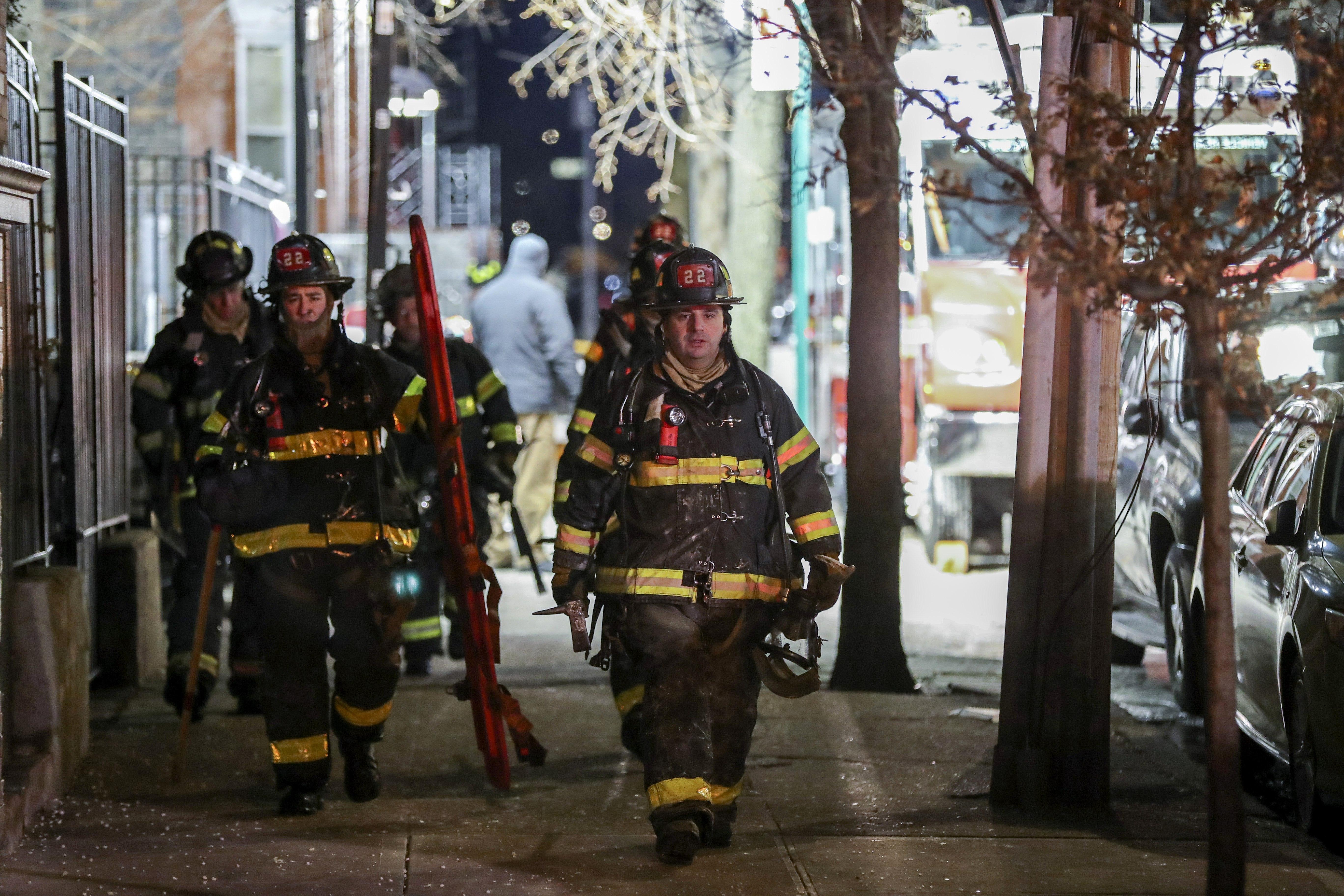 Ocho heridos en incendio en edificio de ciudad de Nueva York